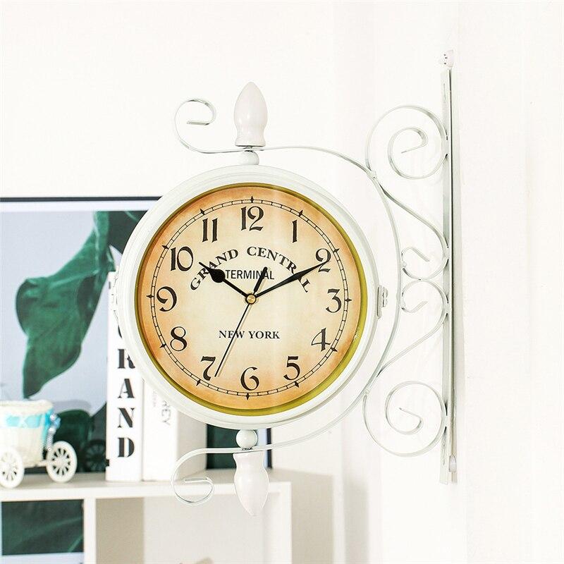 Retro Reloj de pared lateral doble estilo europeo adornos colgantes creativos salón cafetería batería silenciosa reloj para decoración de pared