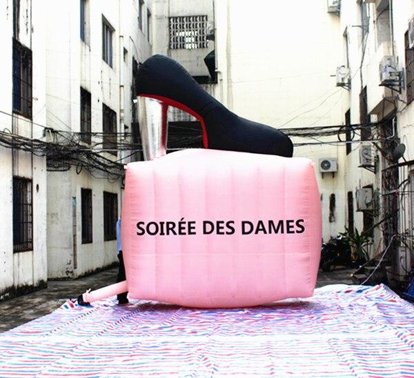 Zapatos de tacón alto inflables de mujer personalizados de 3,2 m de altura de 4m de ancho para promoción