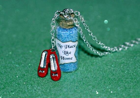 12 unids/lote collar mágico sin lugar como el hogar con encanto de zapatillas rojas, el mago de Oz Dorothy Oz