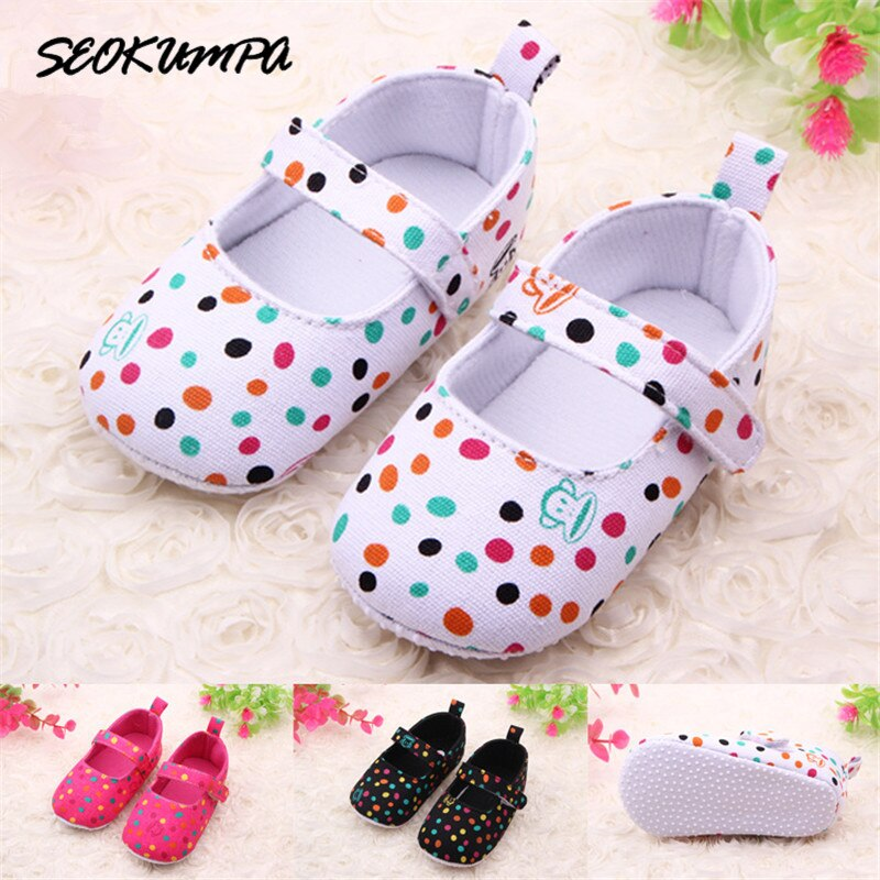 Encantadores zapatos para niños niñas niño pequeño Cartoor Dot Monkey Fondo suave Anti-skip Primeros pasos bonitos Zapatos bebé niña hermosa