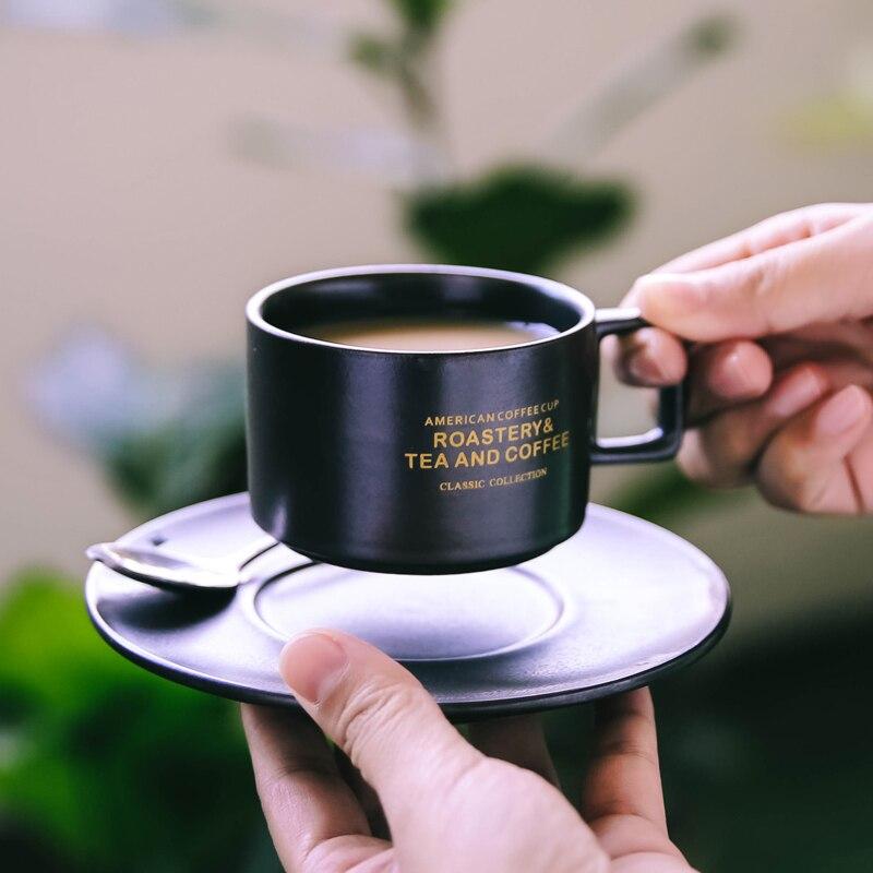 Condensado chá da tarde Xícara de Café Xícara E Pires de Cerâmica Terno italiano Café pequeno Copo de Café com colher prato Conjunto fezes de Gato copos