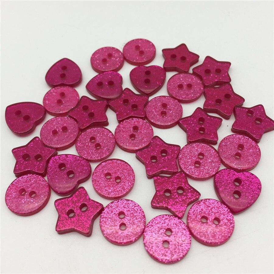 100 pcs Fuchsia Pink Glitter Coração Estrela Rodada Mista 2 Buracos De Costura Botões Faísca Brilhante Bebê Botão Roupas e Acessórios DIY