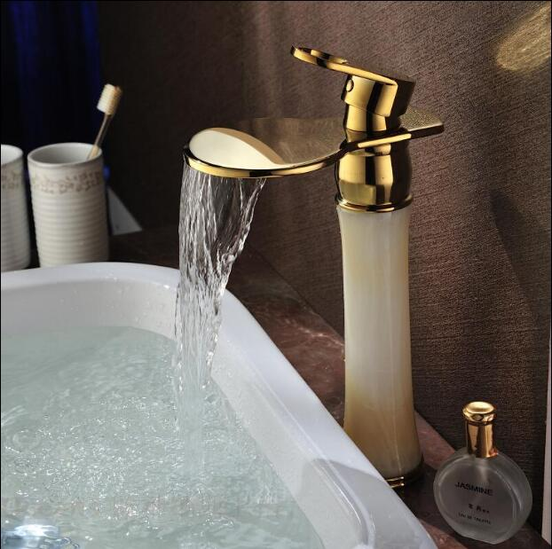 Grifo de lavabo de baño europeo de lujo dorado, grifo mezclador de lavabo de tocador de un solo Mango, grifo de cascada de latón y Jade