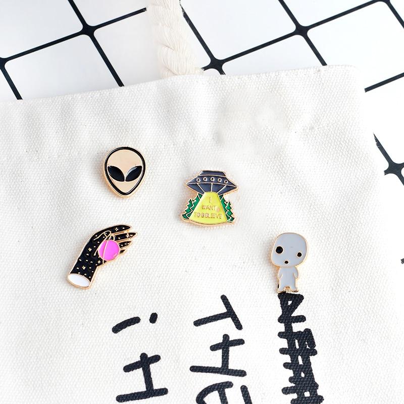 4 шт./компл., Alien UFO, Космический Шаттл, брошь с дизайном «Planet», набор со штырьками, в виде персонажей мультфильмов, в космическом пространстве