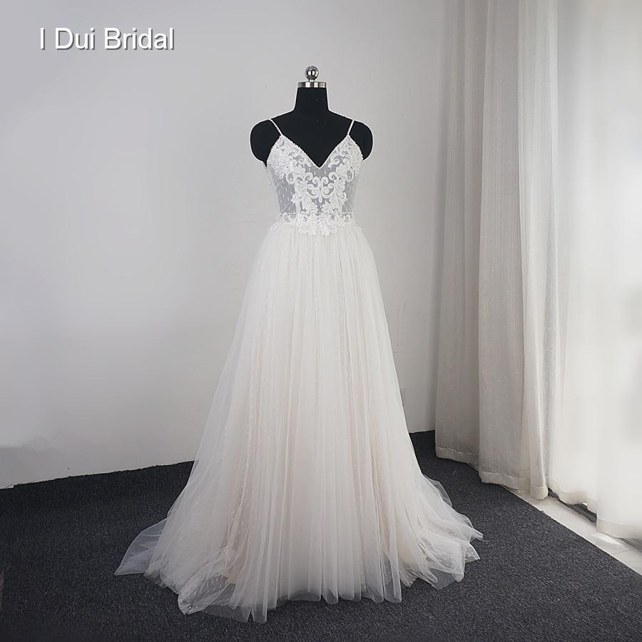 فستان زفاف من التول, بتصميم منقط مناسب للشاطئ
