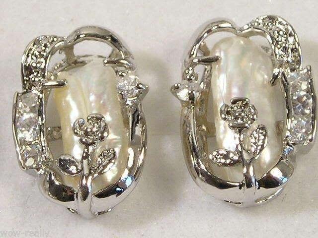 GRATIS SHIPPINGBeautiful cultivadas biwa blanco perla aretes de Plata A0422