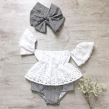 Couverture en dentelle à manches volantes   Épaules dénudées, short à rayures et bandeau, ensemble de vêtements de bébé fille