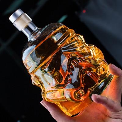 Casco de soldado de Star Wars decantador de barril de whisky, botella de vino de cristal, dispositivo de aireación de vino mágico, gafas, accesorio de bar
