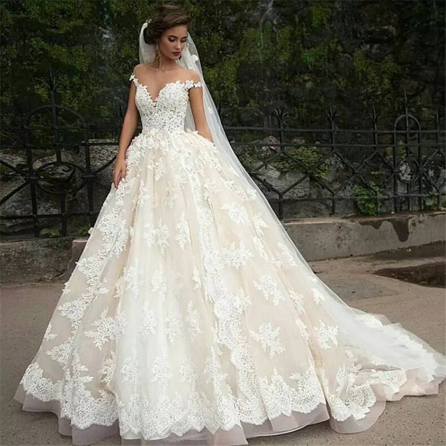 Vintage Turkey Lace Ball Gown Wedding Dress 2018 Off Shoulder Princess Lebanon Illusion Jewel Neck Arab Bride Bridal Dress Gown