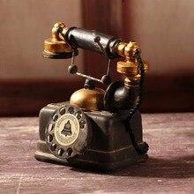 Européenne rétro Vintage rotatif téléphone Statue Antique minable vieux téléphone Figurine décor modèle maison salon bureau décoration