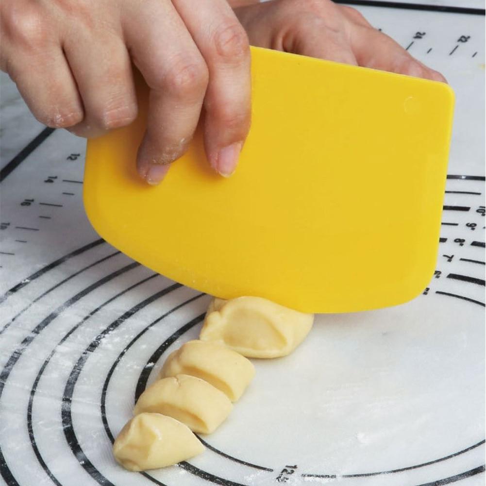 Cortador de massa de pastelaria bolo pão slicer ferramentas pastosas raspador bolo lâmina pp espátula para bolo patisserie 13.5x9.1 cm