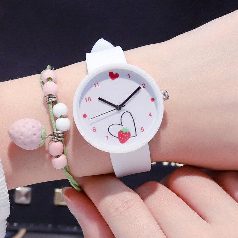 Reloj de pulsera de cuarzo para niñas marca Ulzzang moda Casual bonito reloj fresa amor corazón mujeres niños relojes deportivos de gelatina
