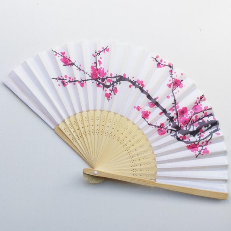 ¡Envío gratis! abanico de mano de seda y Flor de cerezo en flor para boda, abanico plegado manual de ciruelo en flor, wintersweet LX7123