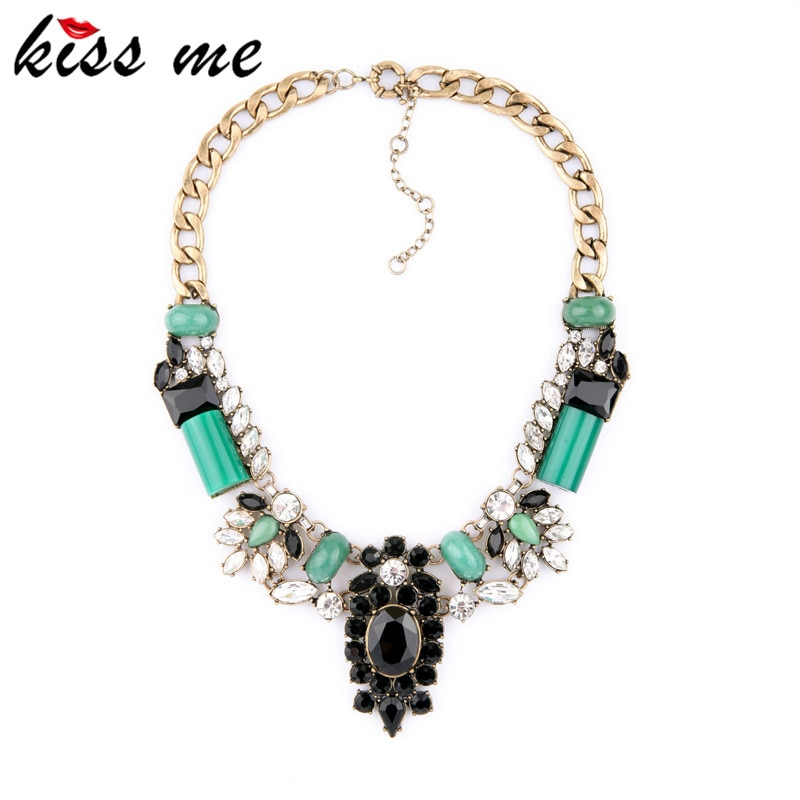 Mode accessoires de mode luxueux Imitation émeraude collier conception banquet court femelle usine en gros