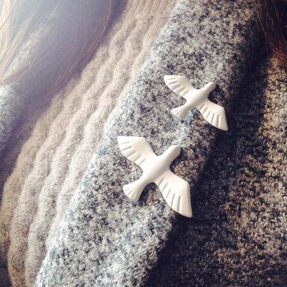 Simple Metal White Pigeon Brooch Exquisite Enamel Bird Brooch Pins Men Women's Animal Brooches Scarf Collar Badges Accessories