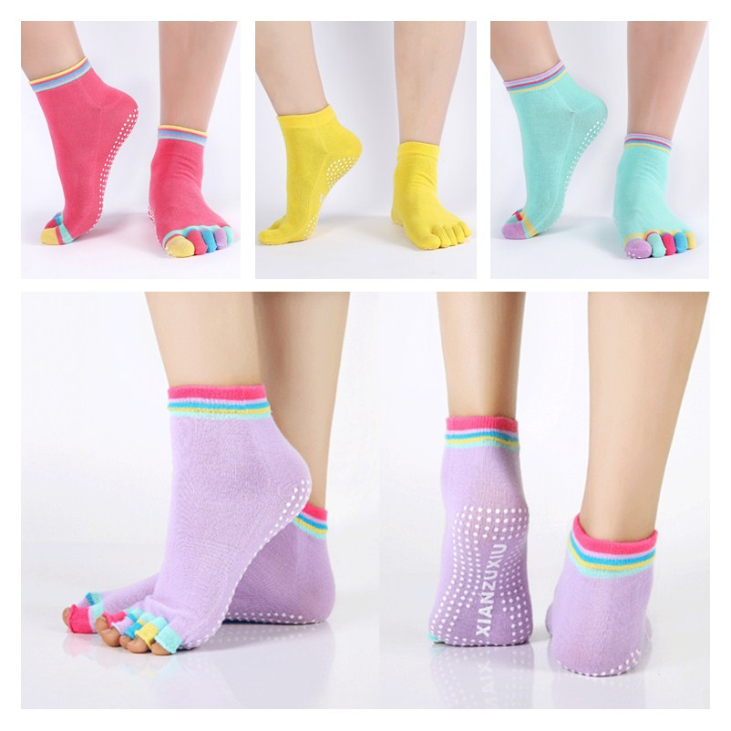 Calcetines de Yoga de cinco dedos antideslizantes con agarre en el tobillo y puntos para gimnasia Pilates, calcetines de colores sólidos para mujer