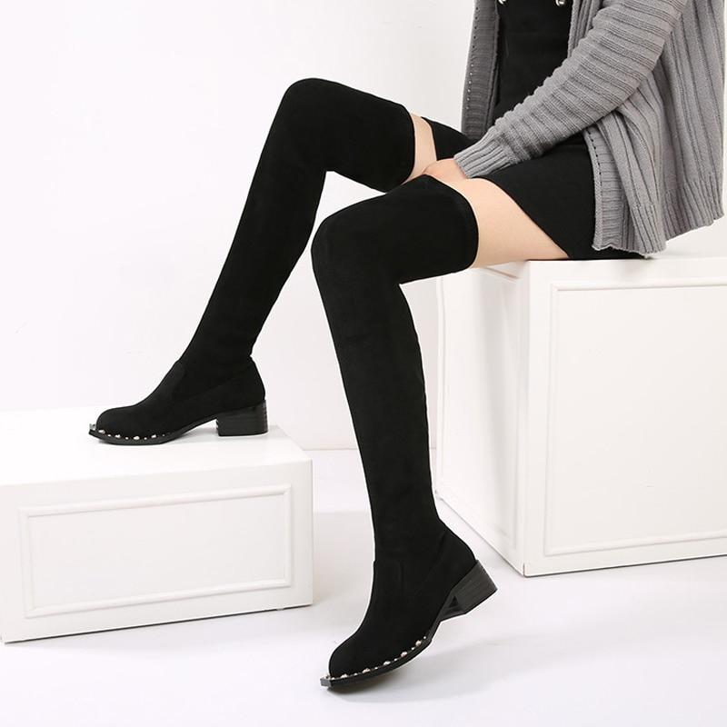 Женские высокие сапоги до бедра зимние бархатные на массивном каблуке с