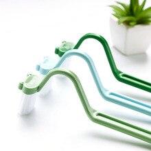 Hot Koop 1 Pcs Kikker V Type Draagbare Plastic Wc Borstel Badkamer Scrubber V-Type Gebogen Cleaner Brush freeship