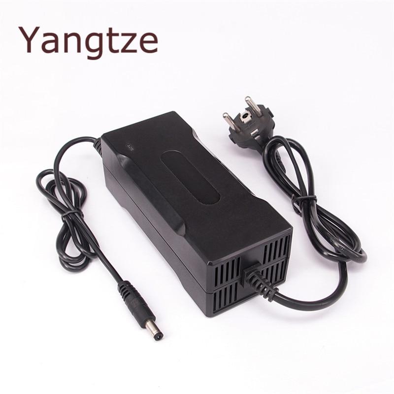 Yangtze Auto-Stop 67,2 V 2A cargador de batería de litio para 60 V Li-Ion Lipo batería refrigeración con ventilador dentro de