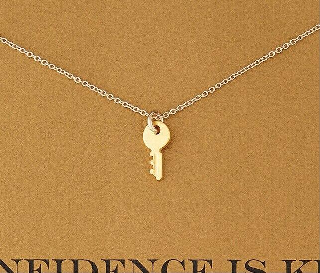 Gorąca sprzedaż nowe złote vintage piękny klucz naszyjnik wisiorek zaufanie jest mini żółty złoty klucz naszyjnik w kształcie serca dla kobiet biżuteria