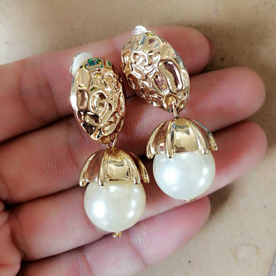 Free Shipping New Elegant Pearl Fashion Clip Earring