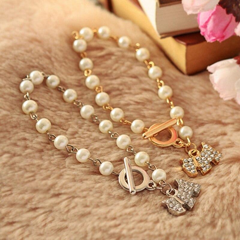 Cristal transparente brillante Enchapado en oro y plata colgante con forma de perro de dibujos animados Cadena de perlas simulada pulseras lindas para mujeres