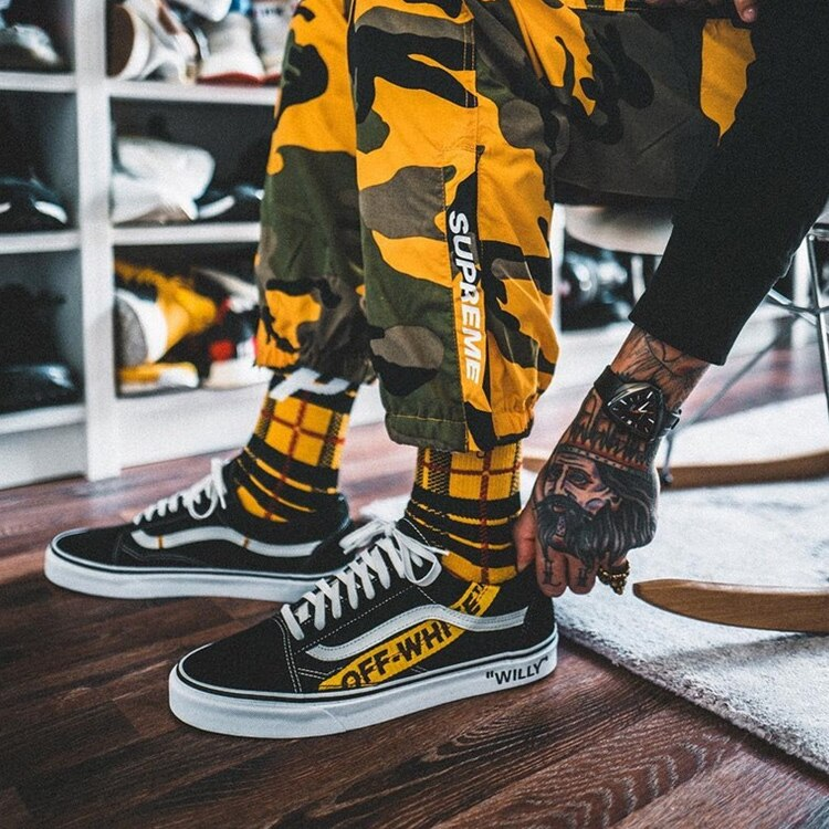 2018 SGEDONE Lattice Men Socks British Style Comfort Cotton Stripe Socks Harajuku Cool Hiphop Skateboard Couple Kanye Long Socks