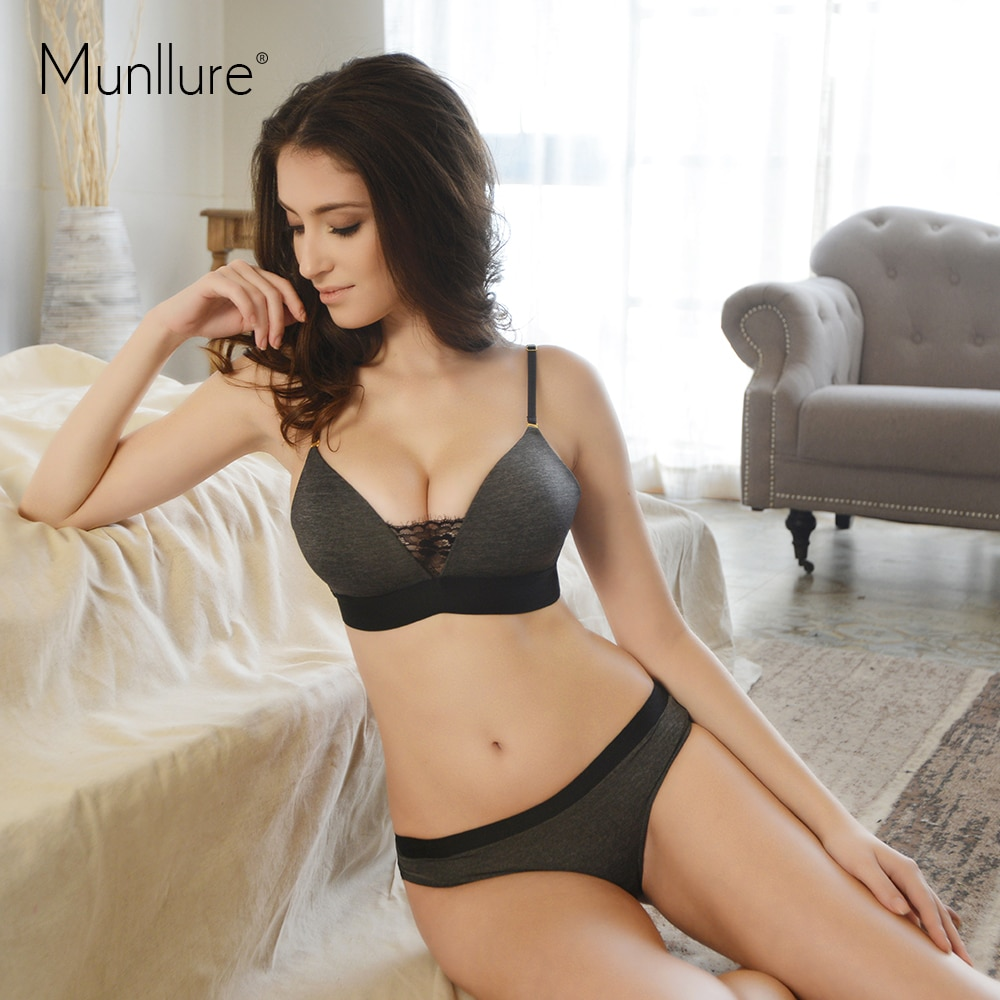 Munllure Underwear deep V-neck lace sexy bra set seamless thin cup bra wireless thin set