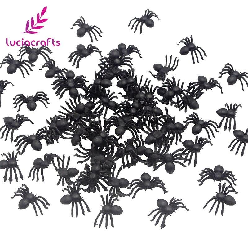 Artesanías de 50 Uds. De plástico falsas arañas negras Trick Toy para Halloween casa embrujada accesorio realista decoraciones H0355