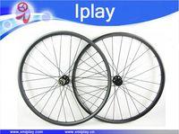 one pair mountain bike wheels 29 30mm wide hookless carbon bike wheels tubeless carbon mtb wheel Novatec 791/792 thru axle hubs