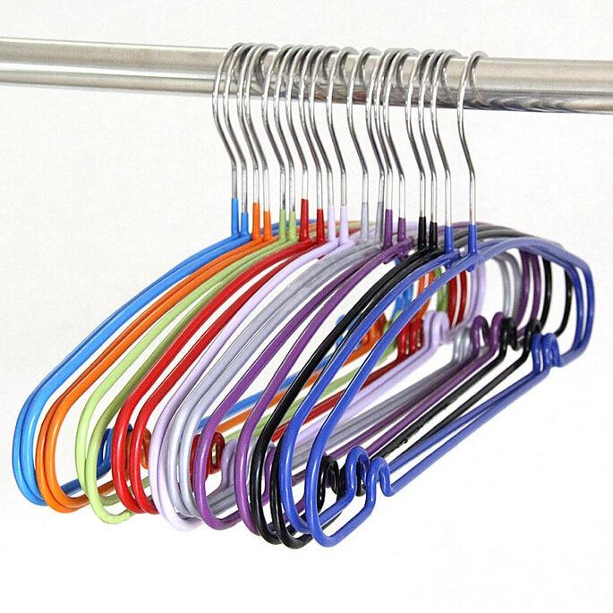 Percha metálica para ropa de Color caramelo que ahorra espacio con revestimiento de plástico, perchero antideslizante resistente para vestido de camisa (20 unids/lote)