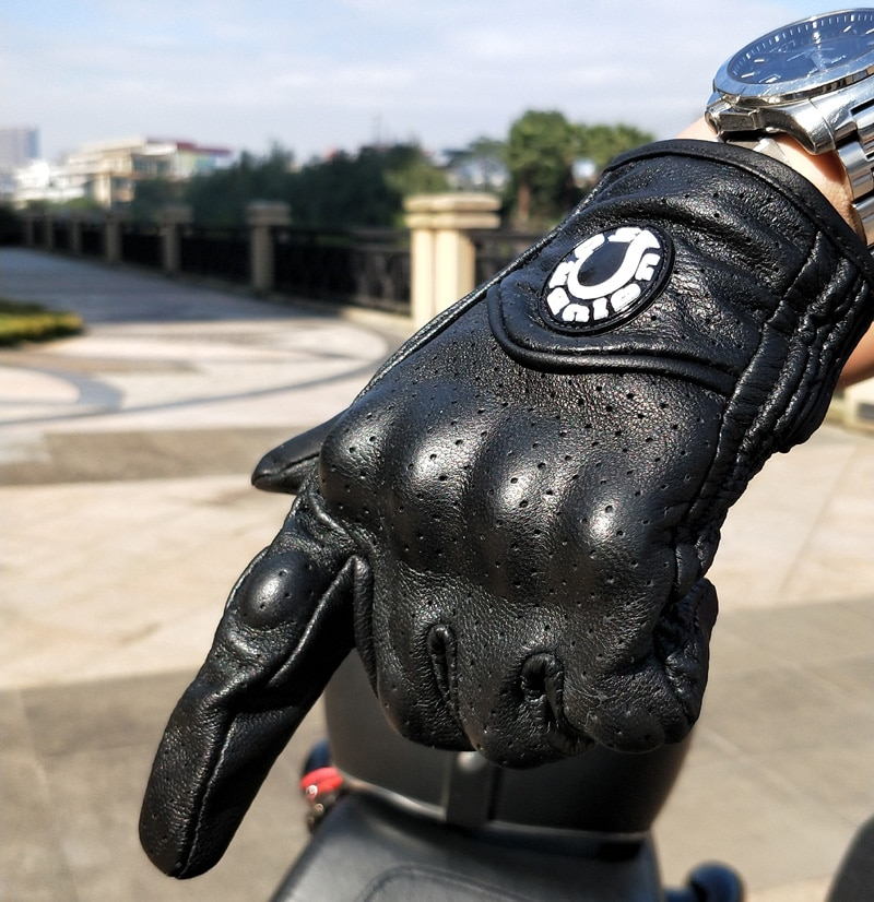 Hot Sales UB real Leather Pursuit Motorcycle Gloves Touch Screen Men Women Moto Electric Bike Luvas da motocicleta