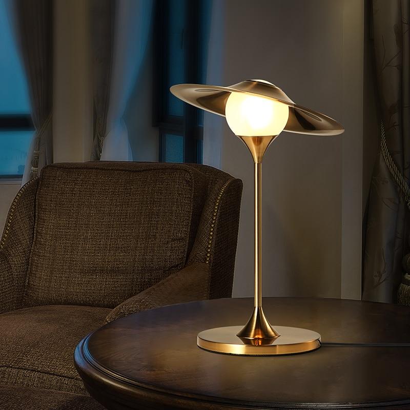 Скандинавский современный минималистичный светодиодный Железный Стеклянный Абажур Настольная лампа для учебы спальни прикроватная лампа