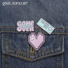 QIHE bijoux Pixel Art émail broches Pixel jeux épinglettes jeu sur broches Vintage rétro jeu Badges coeur épingles Up