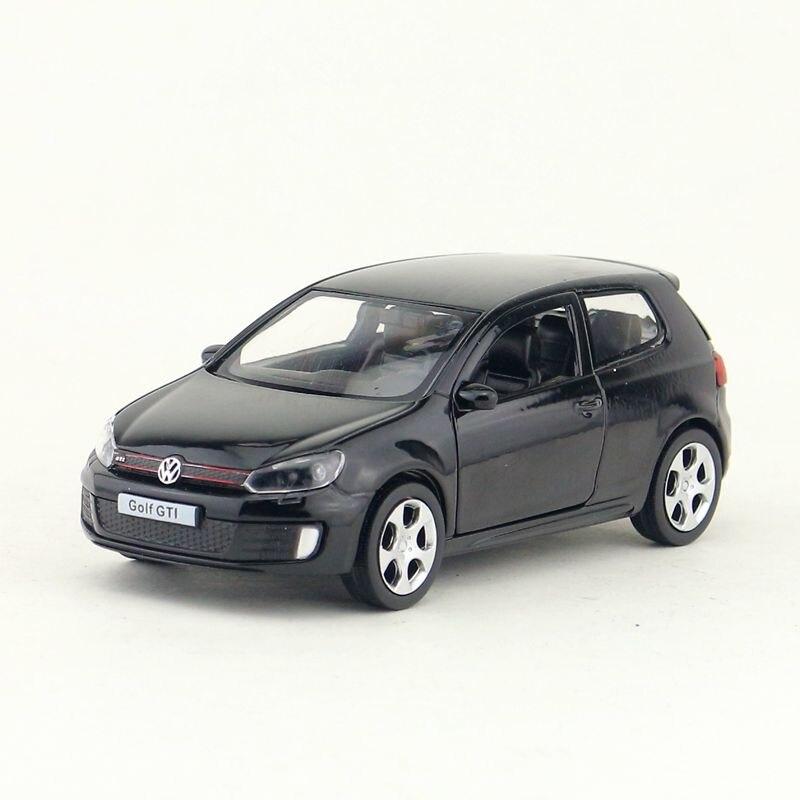 Envío Gratis, juguete de ciudad RMZ, modelo fundido a presión, escala 136, Volkswagen Golf GTI SUV, coche retráctil, Colección educativa, regalo para chico