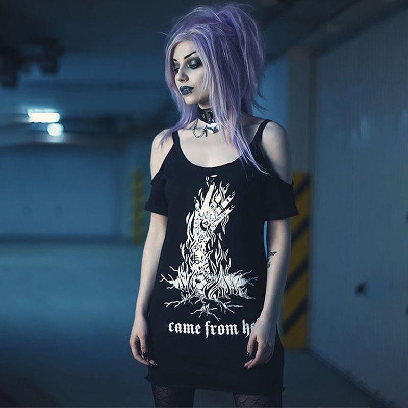 Camiseta gráfica sexi con hombros descubiertos, camiseta informal para mujer, camiseta informal con letras estampadas góticas, camisetas de verano Hipster negras, camisetas