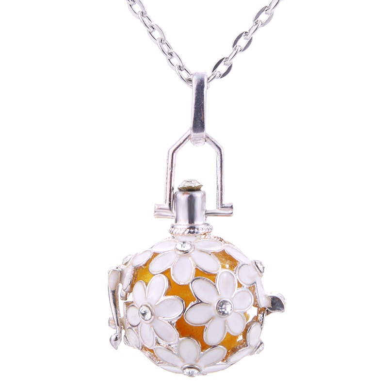 Beautiful Flowers Aroma Diffuser Necklace Open Fashion Locket Pendant Hollow Creative Perfume Essent