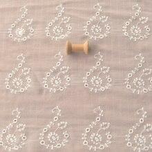 Veste en mousseline de soie   Tissu, broderie de fleurs, marque de questions crème et blanche, chemise, veste, hanfu