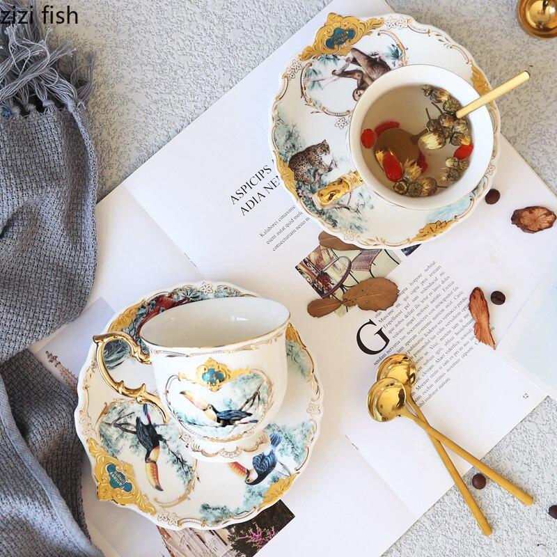 Taza de cerámica creativa de estilo europeo de 220 ml, taza de café, regalo de novia, taza de leche para desayuno, taza, utensilios decorativos para beber