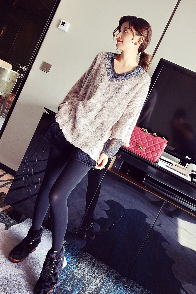 Women's Direct Selling Acrylic Computer Knitted Full Long Thin Sweater 2018 New Heavy Work Sequins V-neck Loose Pullover Women enlarge