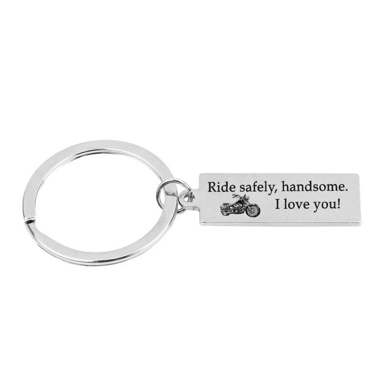 12 piezas/lote paseo seguro guapo te amo Rider encanto llavero cadena etiqueta regalo para el marido motociclista llavero novio de la motocicleta
