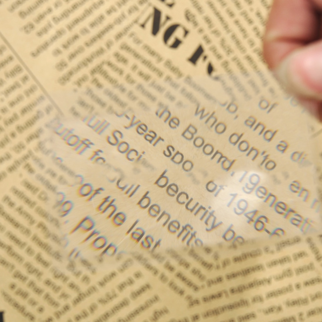 2 X Magnifier Magnification Magnifying Fresnel LENS 8.00*5.50*0.04cm Pocket Credit Card Size Transparent Magnifying Glass