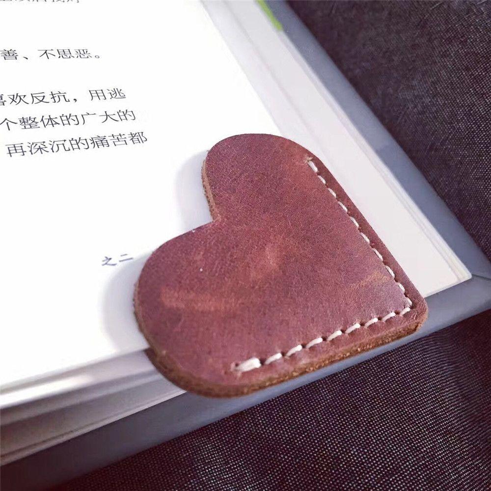2 uds marcapáginas de cuero Clips de papel Vintage amor diseño de corazón libro marca escuela oficina papel libro Clip punto de libro papelería