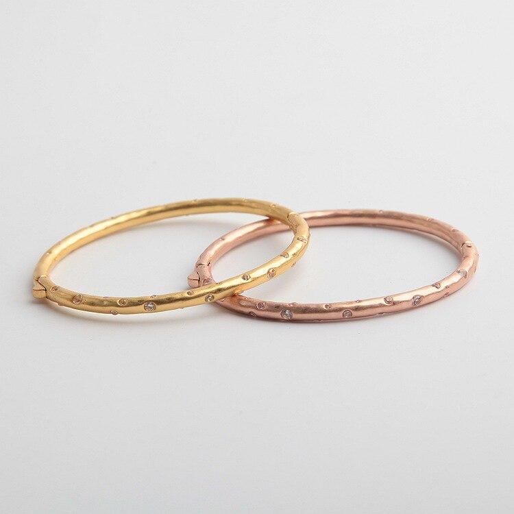 Estilo americano incrustado con circón brillante, los estilos finos pueden abrir pulseras en dos colores