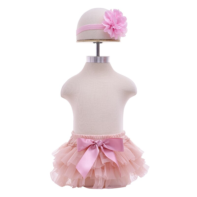 Купить с кэшбэком Baby Cotton Chiffon Ruffle Bloomers Cute Baby Diaper Cover Newborn Flower Shorts Toddler Fashion Summer Clothing