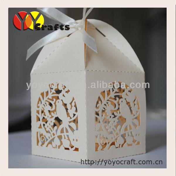 Free shipping 2017 bird wedding box free ribbon laser cut wedding favor gift box