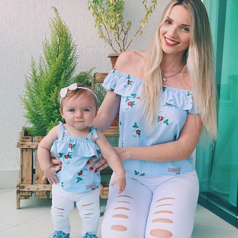 Ropa de partido familiar para madre e hija, Tops de rayas y flores con hombros descubiertos + Pantalones con agujeros, Legging, conjunto de 2 uds de ropa