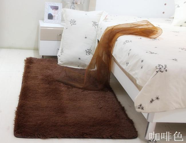 Bruge living room coffee table bedroom carpet bed blankets