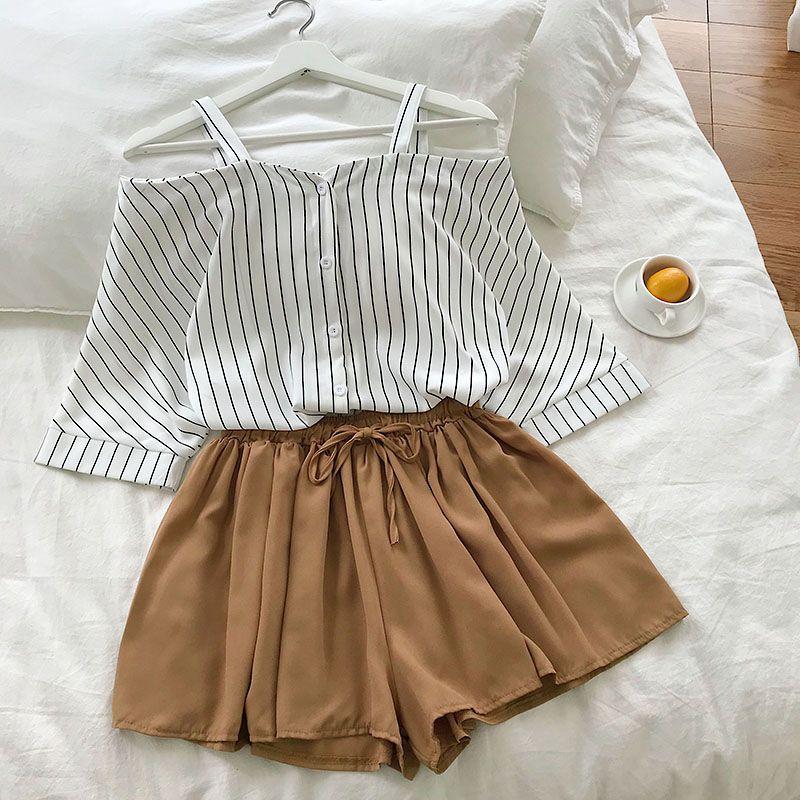 2021 new fashion women's two piece set Fresh striped off-the-shoulder loose blosue top + elastic waist shorts suit