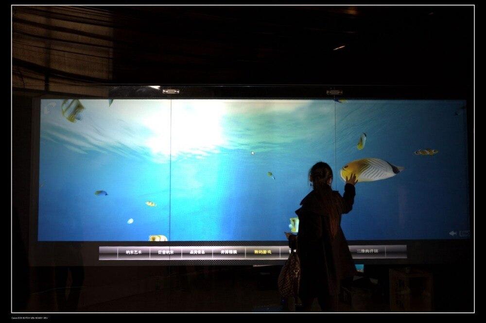 فيلم تفاعلي متعدد اللمس مقاس 55 بوصة ، رقاقة شاشة تعمل باللمس بالسعة 10 نقاط للمس المتعدد